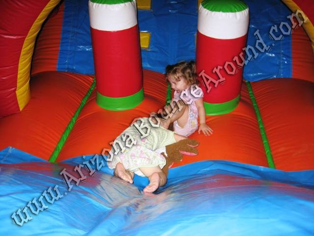 Inflatable obstacle course for children in Denver Colorado Springs Aurora Fort Collins Colorado